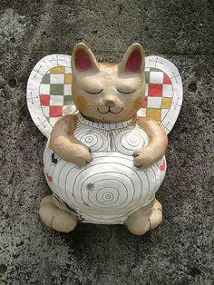 Maneki Neko ** Learn more about #cats with Ozzi Cat Magazine >> http://OzziCat.com.au **