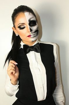 Are you ready to freak your neighbors out on Halloween or scare your friends in this year's Halloween party? Haven't come up with the best Halloween costume ideas yet? Well, you're at the right place my friend. Costume Halloween, Maske Halloween, Halloween Looks, Halloween Costumes For Girls, Halloween 2015, Halloween Face Makeup, Halloween Halloween, Vintage Halloween, Maquillaje Halloween 2018