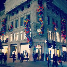 Check out the amazing multi coloured balloons at the J crew store launch party in London on Regent street.