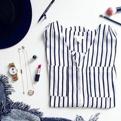 Preview auf den morgigen Blogpost! Worum könnte es wohl gehen? Schaut morgen ab 12 Uhr vorbei ➡ multiperspektiv (Link im Profil)  | #multiperspektiv #blog #bloggers #blogging #blogger_de #instablogger #instablogger_de #linkinprofile #newpost #blogpost #sundaypost #fashion #makeup