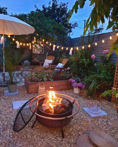 - Small garden design ideas are not simple to find. The small garden design is unique from other garden designs. Space plays an essential role in small . Backyard Patio Designs, Diy Patio, Backyard Landscaping, Patio Ideas, Outdoor Spaces, Outdoor Living, Outdoor Decor, Outdoor Candles, Outdoor Patios