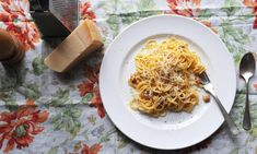 Carbonara w/out cream. No tinned tomatoes? Here are 10 great pasta sauces that don't need them Spaghetti Carbonara Recipe, Best Spaghetti, Chef Work, Tinned Tomatoes, How To Roast Hazelnuts, Pasta Dishes, Pasta Sauces, Lemon Pasta, Time To Eat