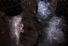 Arborescence marca el pistoletazo de salida para un año cargado de trabajos prometedores entorno a la luz. Esta sutil estructura del estudio Loop.pH fue presentado en la reciente edición del Ámsterdam Light Festival.