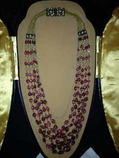 Spinal beads necklace old piece