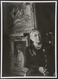 * Portrait de Jeanne Lanvin, vers 1930. Photographe Laure Albin Guillot © Patrimoine Lanvin.