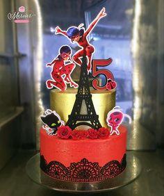 Bolo no tema : Lady Bug Bolo Lady Bug, Miraculous Ladybug Party, 6th Birthday Cakes, Ladybug Cakes, Dress Cake, Desserts, Ideas, Food, Birthday Cakes