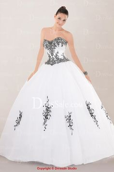 Romantic Strapless Sweetheart Quinceanera Dress Featuring Beaded Embroidery
