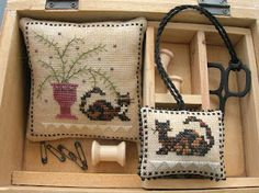 Chessie and Me pattern Chessie's Fern Pincushion and Fob.