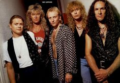 Def Leppard: Stand Up ( Kick Love into motion, Let's Get Rocked, Love Bites, Animal, Rock Of Ages, Pour Some Sugar On Me, Long Long Way To Go, When Love And Hate Collide: My Song i love