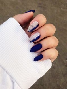 25 Elegant Nail Art Designs for New Year Party
