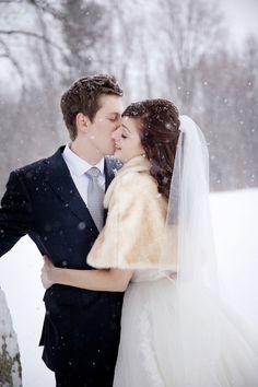 An Elegant Blue, Gray & Silver Winter Wonderland Wedding at Queen's Landing Hotel   Fab You Bliss