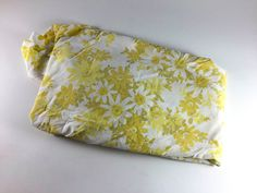 Vintage Flower Double Bed Fitted Sheet Retro Yellow Olive Green White Floral Fabric Linens Bedding Bedroom Decor - pinned by pin4etsy.com