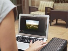 Macbook Mockup (Free PSD | TheFreebieBay.com