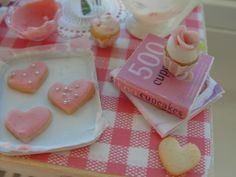 cupcakes and cookies = Love by It's a miniature life...is playing with clay, via Flickr