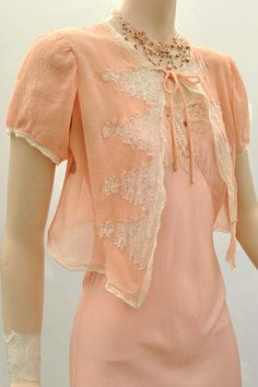 Vintage 1930s peach silk georgette & lace bedjacket with short sleeves