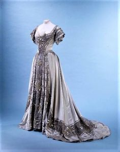 1906 Evening gown by Doucet