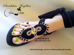 Sandalias macrame Crochet Slipper Boots, Crochet Shoes, Beaded Shoes, Beaded Sandals, Barefoot Sandals Tutorial, Shoe Makeover, Beautiful Sandals, Creation Couture, Macrame Jewelry