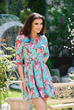 StarShinerS Colorful Mint Dress, floral prints, 3/4 sleeves, with pockets, back zipper fastening, pleats of material, slightly elastic fabric Mint Dress, Daily Dress, Fabric Textures, Summer Breeze, Dress Cuts, Clothing Patterns, Floral Prints, Colorful, Gowns