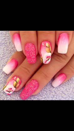 Who does airbrushed nails these days?