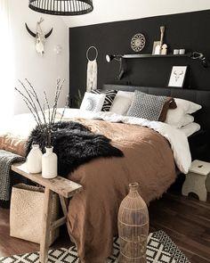 Trendy Bedroom Black Brown Lights Ideas - New Ideas Bedroom Black, Dream Bedroom, Bedroom Brown, Black Bedroom Furniture, Black Bedding, Grey Brown Bedrooms, Dark Bedrooms, Black Headboard, Bedroom Neutral