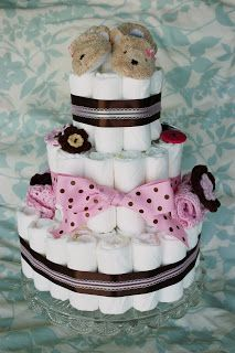 A diaper cake is a great homemade baby shower gift that doubles as a baby shower decoration. This diaper cake was for my friend& baby g. Baby Shower Cakes, Baby Shower Diapers, Baby Shower Fun, Baby Shower Parties, Baby Shower Gifts, Baby Gifts, Baby Showers, Unique Diaper Cakes, Diy Diaper Cake