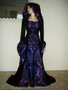 Pagan robe, I don't usually like these, nor do I wear them, but this one is exceptionally pretty!