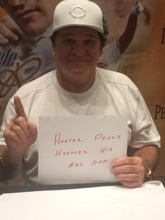 Pete Rose makes his own #HunterPenceSign