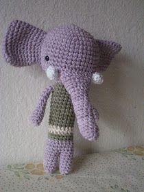 pica-pau: un elefante lila, un pájaro en construcción y vuvuzelas de fondo