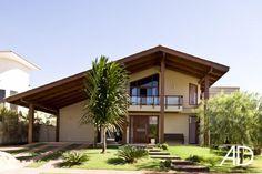 A imponente construção remete às casas de campo das elegantes fazendas modernas. - Foto: Edgard César