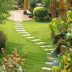 Backyard Landscaping Ideas - The perfect southern garden starts with a feeling. Get influenced by our favored landscape design ideas, from mountains of hollyhocks to straightforward yard actions. Small Backyard Landscaping, Landscaping Tips, Backyard Designs, Diy Garden, Garden Paths, Indoor Garden, Path Design, Garden Design, Design Ideas