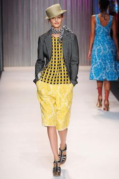 Love the mix match of blouse and blazer.  Yellow pops for two SS seasons now.