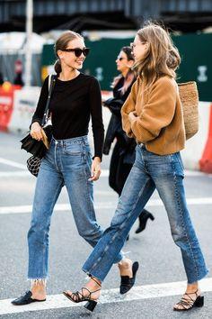 Street Style von der New York Fashion Week - Fashion Outfits Street Style Trends, Street Style Outfits, Mode Outfits, Casual Outfits, Fashion Outfits, Chic Street Styles, Casual Jeans, Jeans Style, Cropped Jeans Outfit