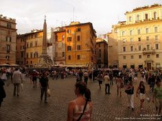 Rome & its Piazzas. Lively!