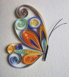 #Quilling ♡ * #Borboleta * #Quilling = também conhecido como Filigrana em Papel. É uma Arte ( trabalho Manual ), realizado com Tiras de Papel, enroladas e modeladas para criar diversas formas, que depois de combinadas formam um Desenho. ☆