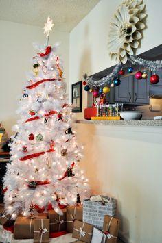 my dream white Christmas tree! | Elegant Musings