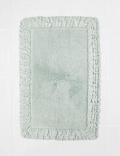 Ruffle Bath Mat