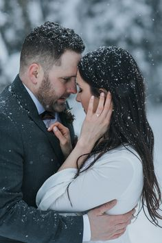 Is there anything more romantic than getting married under softly falling snow? I don't think so! Lake Louise is the perfect spot for a dreamy winter wonderland wedding! Boho Mountain elopement photographed by ENV Photography Winter Wedding Receptions, Winter Weddings, Flowers To Go, Winter Engagement Photos, Best Wedding Favors, Local Photographers, Winter Wonderland Wedding, Dream Wedding, Wedding Dreams