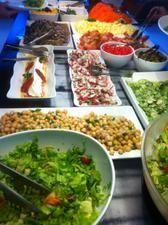 CITRON o que é: restaurante por quilo site: http://www.citronccsp.com.br/ onde: rua vergueiro, 1000 - paraíso (dentro do centro cultural são paulo) quanto: se você come muuuito, o prato sai por r$ 20 é bom porque: a comida é boa, fresca e saborosa, tem saladas crocantes, opções com verduras, arroz integral, uns beliscos diferentes serviço: segunda a sexta das 11h30 as 15h. aos sábados, fica aberto das 12h às 16h dica de: luiza estima #sphonesta