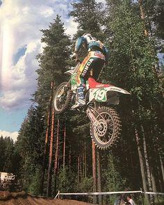 Rob Herring on the Castrol Honda #hrc #honda #mx #moto #mxgp #motocross #90smx #90smoto #90smotocross