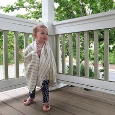 Little Active Towels for the little cuties in your life 💕👶🏼  This is the bamboo blend hand towel ~ the healthy choice for children 💫  @heykatiehampton #Repost #BluestoneImports #TheActiveTowel #SantaCruz #TurkishTowel #BabyWearing