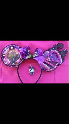 LIGHT UP Descendants Mal Inspired Mouse Ears/Mal Mickey