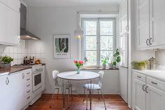 Pärla med unik karaktär och balkong   Fastighetsmäklarna Stockholm