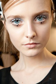 Rochas Spring 2015 Ready-to-Wear Fashion Show Beauty