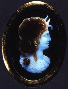 Hermitage Museum 3bc Sardonyx cameo of Queen of the Ptolemies-protectress of Alexandria  