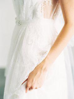Cecilia Chantilly Lace Wedding Dress por SaintIsabel en Etsy