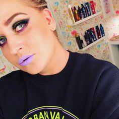 This #sweater from @hm 💜💜💜 #look #beauty #mua #makeup #makeuplook #makeupaddict #cybergoth #cybermakeup #lotd #purplelips #neon #neonmakeup #eyeshadows from @sugarpill and @urbandecaycosmetics browgel from @sleekmakeup lipstick from @sephora contour from @katvondbeauty 😘😘😘🍬🍬🍬 @selfiequeens_no #uuchallenge