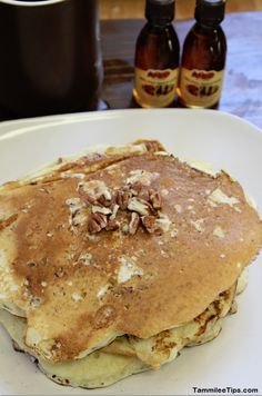 Next time you are whipping up a big breakfast for the family, try this Copycat Cracker Barrel Pecan Pancakes recipe. The flavors of your favorite pancake recipe at Cracker Barrel are replicated with perfection. What's For Breakfast, Breakfast Pancakes, Breakfast Dishes, Breakfast Recipes, Pancake Recipes, Cracker Barrel Pecan Pancake Recipe, Cracker Barrel Recipes, Sin Gluten, Pecan Pancakes