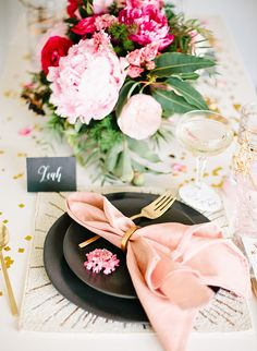 Romantic At Home New Year's Eve Dinner Party photographed by Megan Welker- Inspired By This Romantic Dinners, Romantic Weddings, Table Setting Inspiration, Wedding Inspiration, Wedding Table, Wedding Day, Forest Wedding, Wedding Flowers, New Years Eve Dinner
