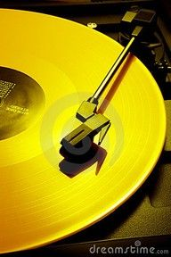 Oldie in YELLOW | Mellow yellow | www.myLusciousLife.com