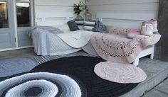 Veranda styling met diverse kleden van naco!